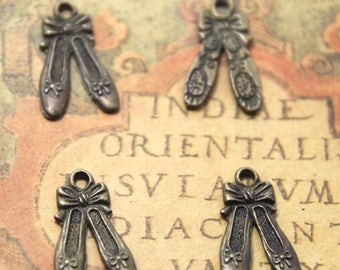25pcs Ballet Slipper Charms bronze tone Ballet Slipper Charm pendants 21x13mm ASD0906