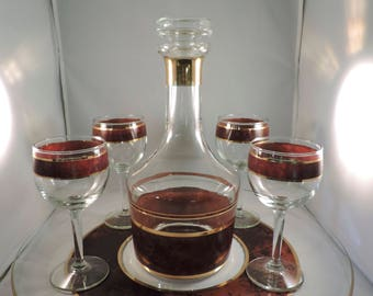 Vintage Mid-Century decanter with stopper four stem wine glasses and serving tray