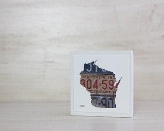 Wisconsin Home Art Magnet | Vintage License Plate Art | Neodymium | Vintage Charm Kitchen Fridge Magnet Wisconsin Outline Art