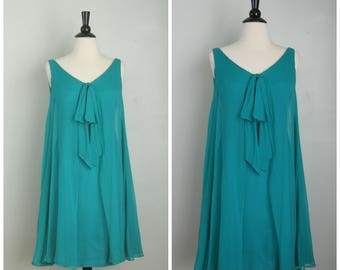 1960's Wiggle Dress w/ Sheer Overlay// Open V Neck// Emerald Green