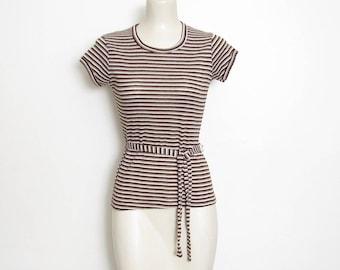 des années 1970 ceinturée pull marron et Creme rayures w / correspondance ceinture / pull en tricot Vintage des années 70 variété