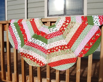 Strip Quilted Christmas Tree Skirt / Table Topper