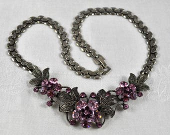 Reduced! 90s statement necklace, cranberry and pink rhinestone choker