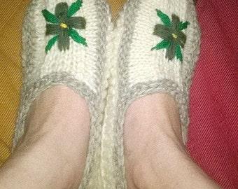 woman slippers 100 percent Virgin wool knitted hand N0Vrf