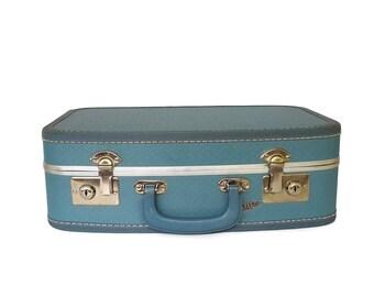 Vintage TRAV-L-EEZ Blue Suitcase Carry-On Traincase Embossed Curved Burlesque Case Art Case Retro Travel Gambels Hardside