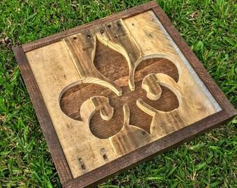 Handmade Reclaimed Rustic Pallet Wood Fleur-de-lis