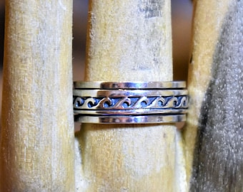 Wave Sterling Silver Spinner Ring  Size 10