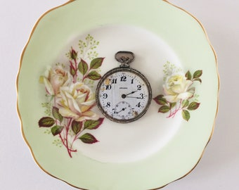 Pocket Watch Display 3D Square Green Display Plate White Rose Sculpture for Wall Decor Birthday Wedding Anniversary Gift