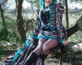 Cheshire Cat Costume   Alice in Wonderland Cosplay, Halloween Costume,  Womens Costume, Adult Costume, Steampunk Cat Costume