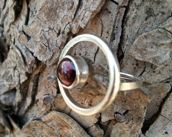 Sterling silver ring with Garnet stone, Circles shape, January birth stone, 925 Sterling Silver Ring, Special Ring, modern rings, red stone