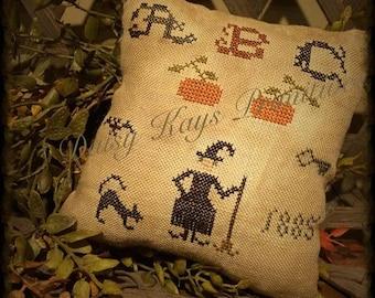 Primitive Fall | Witch | Pillow Tuck | Pin Keep | Black Cat | Primitive Fall Decor | Farmhouse Decor | Halloween Decor |