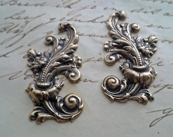 Baroque rococo pair - two beautiful ornaments left and right - Antiqued Brass Gold bronze