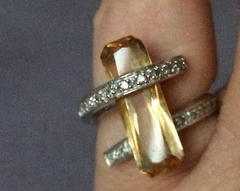 585-er white ring with Citrine