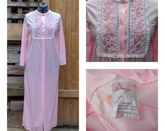 Vintage 1970's Full Length QUEENTEX Embridered Front Pink Nylon Polyester Robe Night Gown