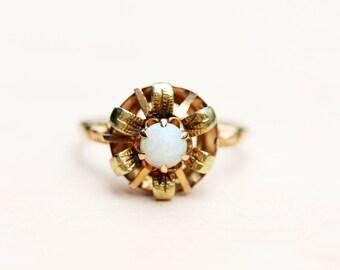 Opal Flower Ring, Gold Opal Flower Ring, 10K Opal Flower Ring, Vintage Opal Flower Ring, Size 8 Ring