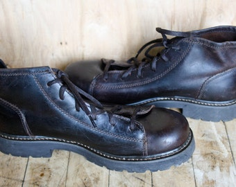 Vintage Leather Hiking Boots/ American Eagle Outfitters/ c. 1990s/ Men's Size 9 US/ 42 EU