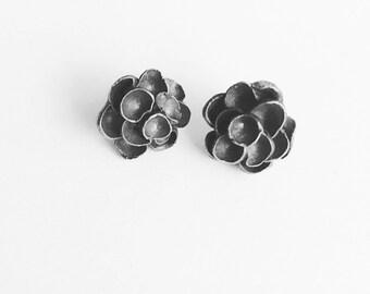 Flower Stud Earrings in Sterling Silver, Oxidised Black Silver Studs Earrings,  Dainty earrings, Minimalist jewelry