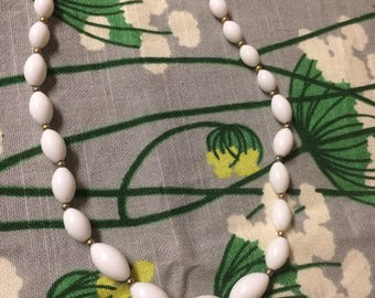1960s White and Gold Choker