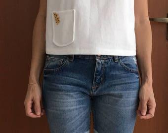 Basic Sleeveless White Top Beaded Pocket