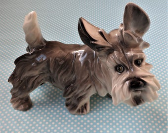 """Vintage ceramic Scottish terrier figurine, 7"""" high, mended"""