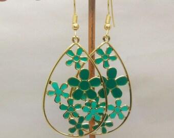 lovely earrings enamel green flowers