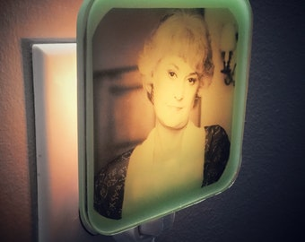 Dorothy Zbornak Golden Girls Night Light Gift For Her Mothers Day Bridesmaid Bea Arthur BFF Retro 80s Shady Pines Plug In Nightlight Kitsch