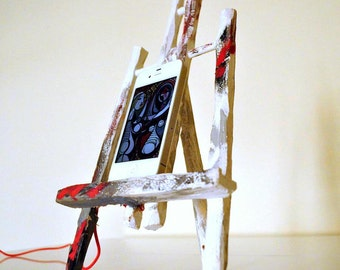 iPhone 4s dock - Wooden Easel autumn passion