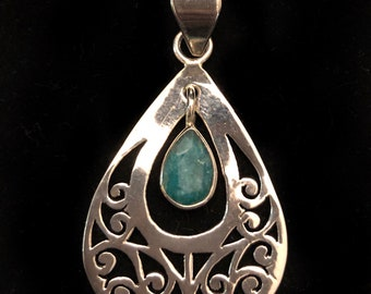 Indian Emerald 925 Sterling Silver Pendant and Chain