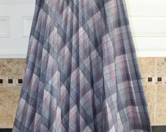 Grey/Pink Plaid Pleated Skirt 1950s