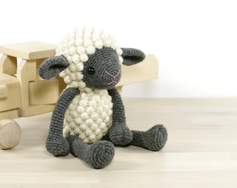 PATTERN: Sheep - Amigurumi lamb - Crochet tutorial with photos - English and Danish (EN-052)