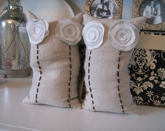 Natural Collection- Linen Flower Beanbag Bookends in Oatmeal, Cream and French Blue
