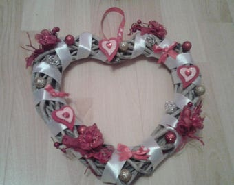 Crown, heart love Christmas ideal also for Valentine's day, a wedding or a couple, red and white room