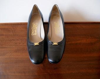 1970s Ferragamo Black Leather Pumps / designer vintage mid heel dress shoes size 7B