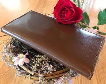 Tiara's Wallet
