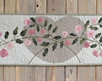 Vintage Table Runner PATTERN - Heart and Road - BPJ368