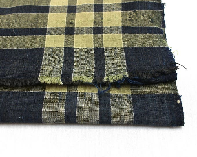 Japanese Vintage Kasuri Ikat. Woven Indigo Cotton Scrap. Traditional Folk Fabric. (Ref: 1758B)