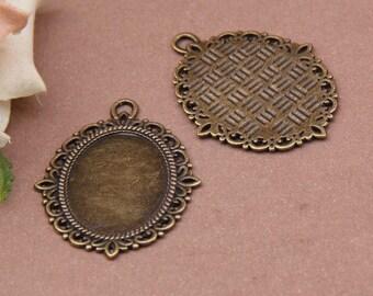 1 pendant support(medium) cabochon 30 x 40 mm baroque oval antique bronze