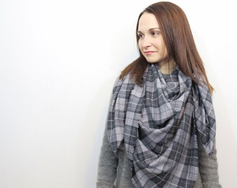 Gray Blanket Scarf. Lightweight Spring Scarf. Oversized Plaid Shawl. Gray and Black Tartan Wrap. Cotton Fringe Blanket Scarf. Gift for Wives