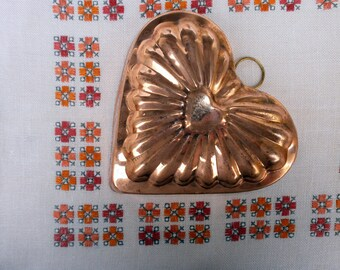 Copper jello heart baking mold Traditional gelatin dessert cooking wall hanging molds Swedish vintage mid century 1960s Primitive decor
