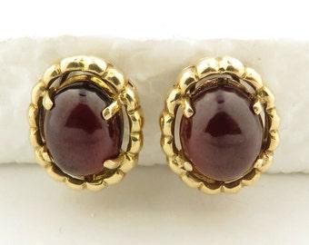 Vintage 14 kt Gold Oval Cabochon Dark Brownish Red Garnet (13 x 10 x 5 mm) Earrings.