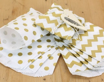 "12 Small Flat Metallic Gold Polka Dot & Chevron Paper Favor Bags . 2.75"" x 4"""