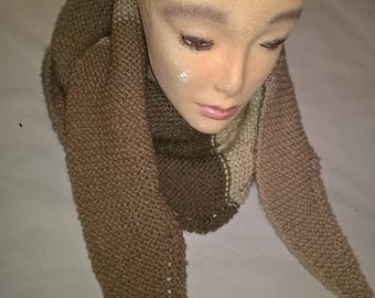 handknitted scarf / woman