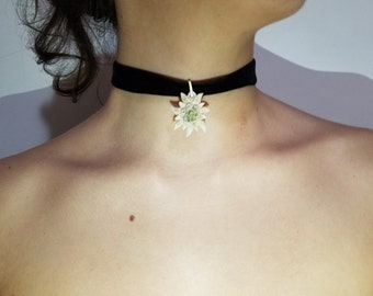 Vintage Large Edelwiess and thick black velvet choker