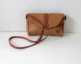 Vintage 1980s 80s light brown leather purse, crossbody shoulder bag, pebbled leather handbag. Liz Claiborne