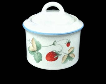 Savoir Vivre Sugar Bowl or Jam Pot, Luscious Pattern with Strawberries, Vintage (1991 - 1997)