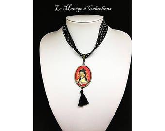 "Link necklace with polka dots ""El dia la Muerte"", glass cabochon."