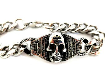 Stainless steel chain bracelet with skeleton skull. Punk jewellery