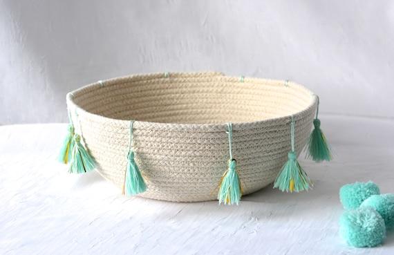 Minimalist Beige Bowl, Handmade Rope Basket, Modern Clothesline Basket, Lovely Corded Bowl,  hand coiled natural rope basket