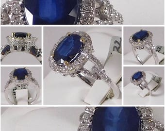 Sapphire & Diamond Ring. Made of 18k White Gold