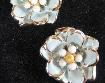 Stunning Vintage Floral Earrings